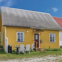 Three-Bedroom Holiday Home in Katthammarsvik