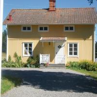 Three-Bedroom Holiday Home in Fjarhundra