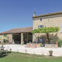 Three-Bedroom Holiday Home in Pernes les Fontaines