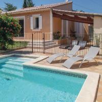 Three-Bedroom Holiday Home in Entraigues s.la Sorgue