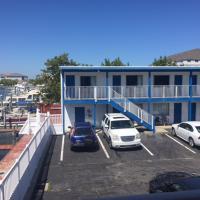Islander Motel