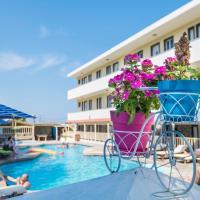 Condo Hotel  Sunny Days Opens in new window