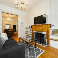 2BR Heart of Lincoln Park