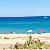 Charmant T 2 vue mer pied dans l'eau