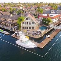 HB-163 - Huntington Harbor Luxury Four-Bedroom Holiday Home