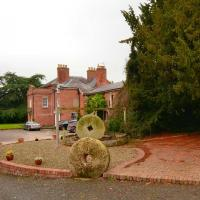Elm Lodge Bed & Breakfast