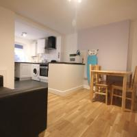 Modern Two Bedroom Apartment in Hammersmith