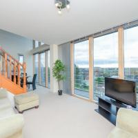 High End Ruislip 2 bedroom Penthouse Apartment