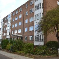 2 Bedroom Apartment in Stratton Court Central Surbiton