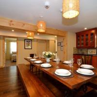 6 Bed Blue Mountain Chalet w/Hot Tub Unit 1