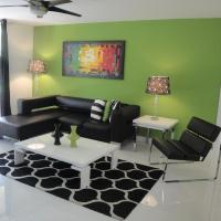 The Green apartment at the Yacht Club of Aventura