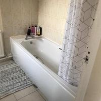 FULLY RENOVATED HOUSE WITH ALL NEW MEMORY FOAM MATTRESES
