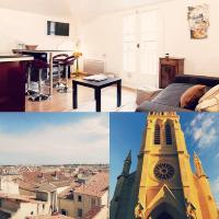Colombet Stay's - Place Saint Anne.
