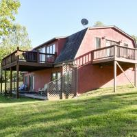 Lakefront Cottage #2