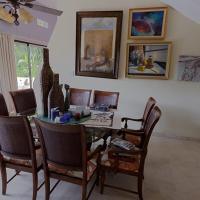 Arroyo Hondo Room
