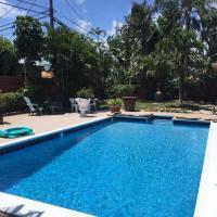 Beatufil Tropical Pool Oasis Home