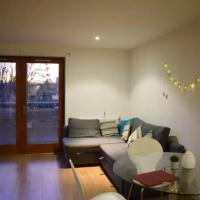 1 Bedroom Apartment in Bow Sleeps 3 Guests