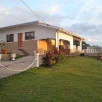 Reef Villa and Guesthouse