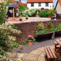 Homelye Farm Courtyards