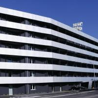 Base Hotel To Stay