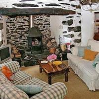 Dolwgan Cottage