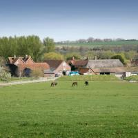 Bridge Farmhouse and Old Stables