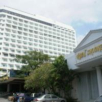 Royal Twins Palace Hotel