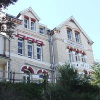 Torrs Hotel