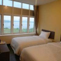 101 Lake View Hotel
