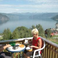 Four-Bedroom Holiday home in Utvik