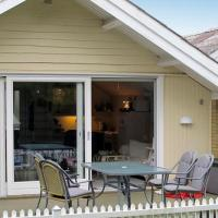 Two-Bedroom Holiday home in Askeby 1