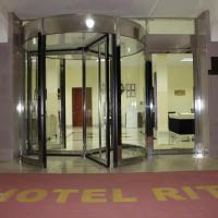 Hotel Ritz Waku Kungo