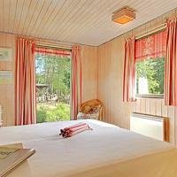 Six-Bedroom Holiday Home Mosebøllevej 03