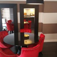The Luxurious Suite (Peymans)