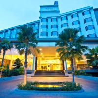 The Grand Riverside Hotel