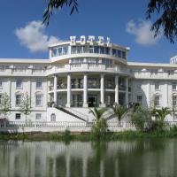 Senator's Park отель