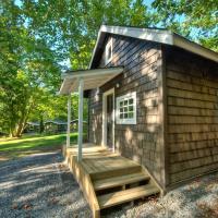 Sunwolf Riverside Cabins