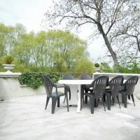 Les Bains Bed & Breakfast