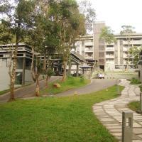 The Mountain Courtyard Thekkady