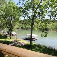 Taneycomo Lake Cottage