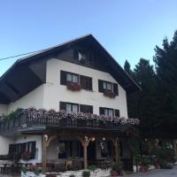 Guest House Kmečki Hram