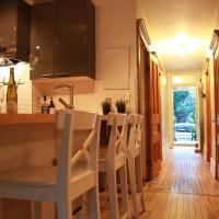 Two-Bedroom Loft near Park Lafontaine