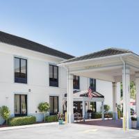 Baymont Inn & Suites Savannah