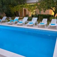 Luxury apartment with private pool Queen Helena