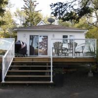 Lakefront Cottage in Manitou Beach