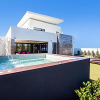 Villa on the Green - Sanctuary Cove