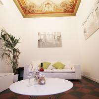 Spanish Steps Art Apartment
