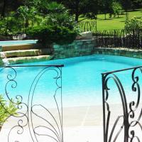 Mas piscine tennis privé