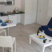 Apartment Adonis Grandcamp / Studio
