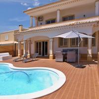 Stunning Five Bedroom Villa
